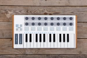 Advantages of MIDI Controllers
