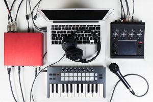 How to Use MIDI Keyboard